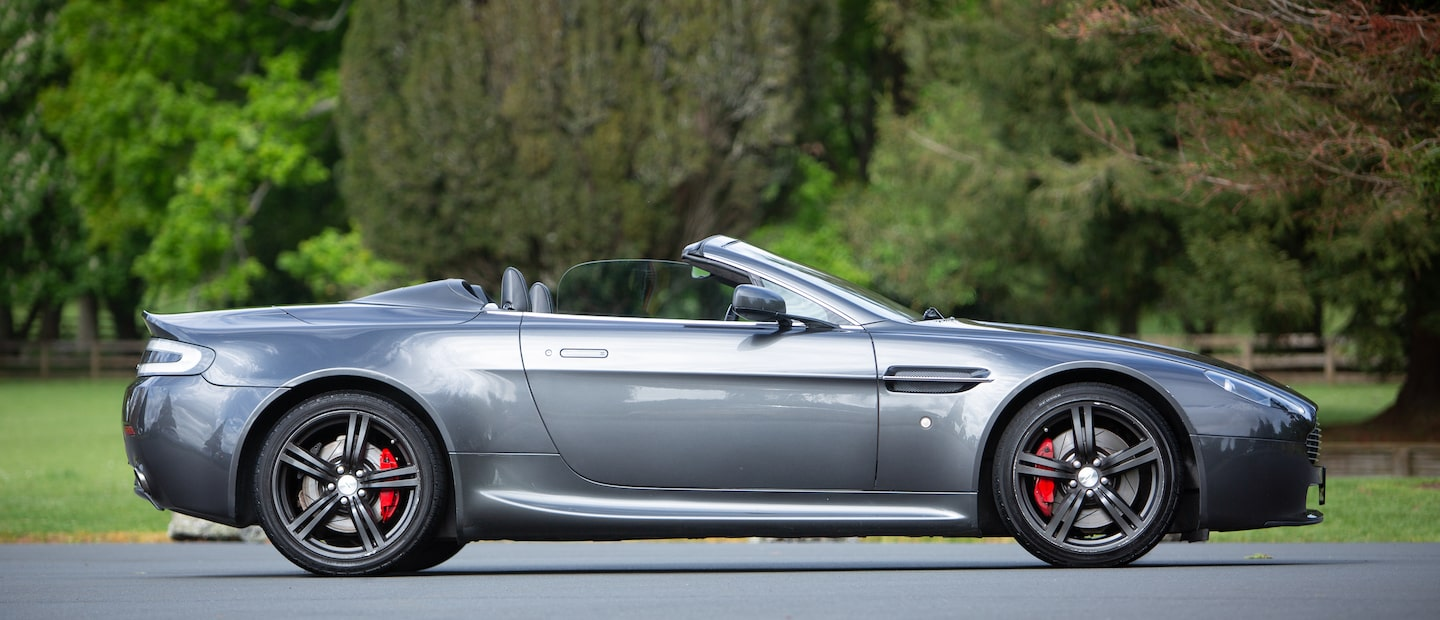 Aston Martin V8 Vantage Roadster Luxury Las